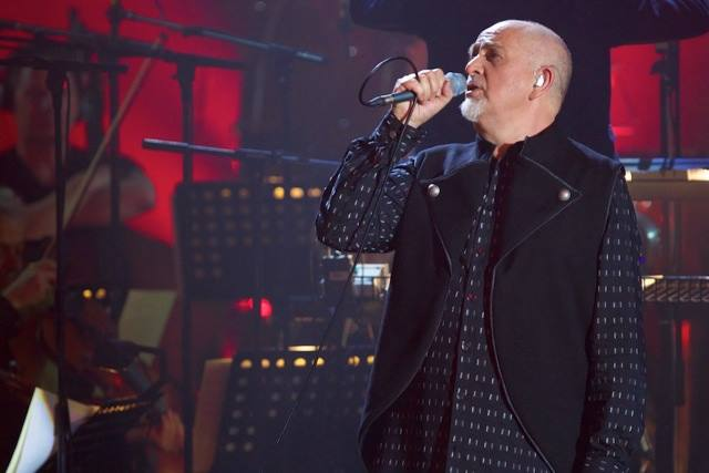 "Watch Peter Gabriel Debut New Song ""What Lies Ahead"" In Italy"