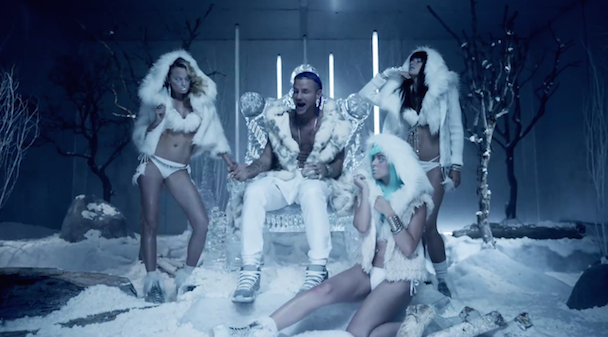 """RiFF RAFF – """"TiP TOE WiNG iN MY JAWWDiNZ"""" Video"""