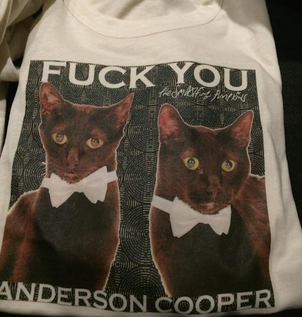 """The Smashing Pumpkins Debut New Lineup, Bowie Cover, """"Fuck You Anderson Cooper"""" T-Shirts In Chicago"""
