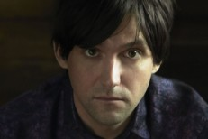 """Conor Oberst – """"Standing On The Outside Looking In"""" & """"Sugar Street"""""""