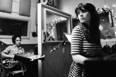 """She & Him – """"God Only Knows"""" (Beach Boys Cover)"""