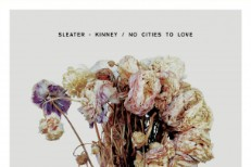 "Sleater-Kinney – ""Surface Envy"""