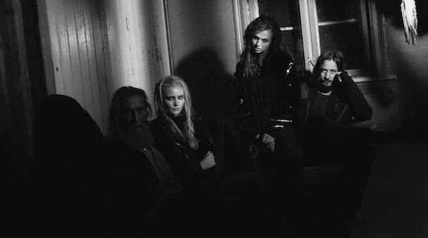 """Röyksopp - """"Skulls"""" Video"""
