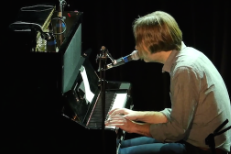 "Watch The Full Video Of Ben Gibbard Covering Alvvays' ""Archie, Marry Me,"" His Favorite Song Of The Year"