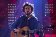 "Watch José González Cover TLC's ""Waterfalls"" On A Swedish Game Show"