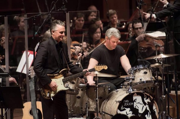 Watch Grunge Supergroups Mad Season & Temple Of The Dog Reunite In Seattle