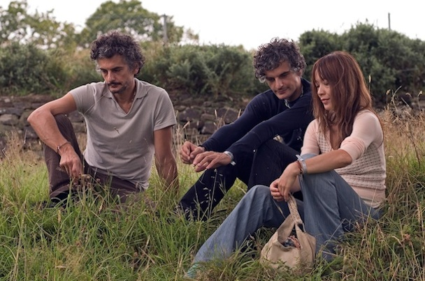 "Blonde Redhead – ""Much More To Lady M (Remix By Chris Bear Of Grizzly Bear)"""