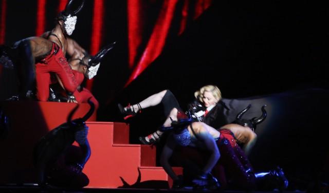 Madonna Brit Awards Fall
