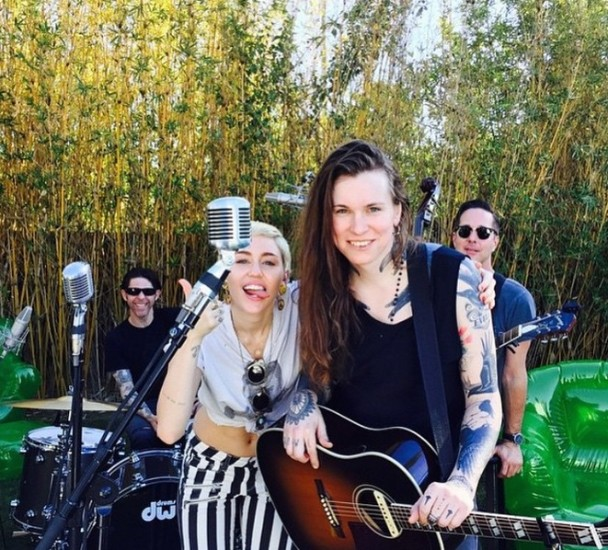 Miley Cyrus Might Be Recording With Against Me S Laura