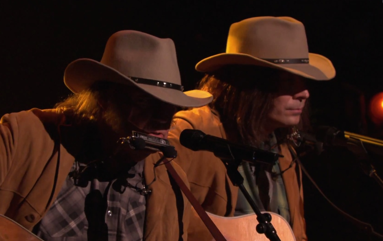 Watch Neil Young And Jimmy Fallon As Neil Young Perform &#8220;Old Man&#8221; On <em>The Tonight Show</em>