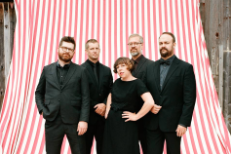 "Watch The Decemberists Play ""The Singer Addresses His Audience"" Live For The First Time At Dublin Tour Opener"
