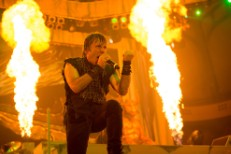 Iron Maiden's Bruce Dickinson Treated For Cancer