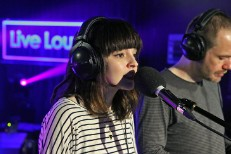 "Chvrches – ""Cry Me A River"" (Justin Timberlake Cover)"
