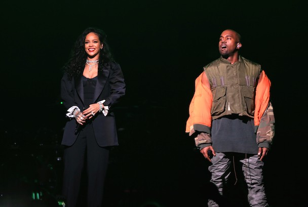 Watch Kanye West And Rihanna Perform At DirecTV's Super Saturday Night Party