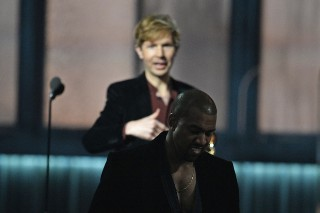 Kanye West Publicly Apologizes To Beck (And Bruno Mars)