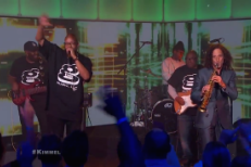 "Watch Kenny G And Warren G Perform ""Regulate"" Together On Kimmel"