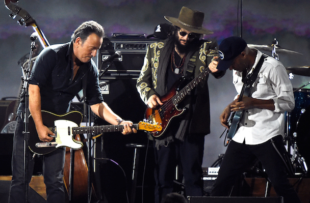 Jack White, Beck, Bruce Springsteen, Neil Young Honor Bob Dylan At 2015 MusiCares Gala