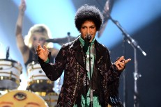 Prince Playing Spontaneous US Shows, Might Have Contributed A Song To Rihanna's Album
