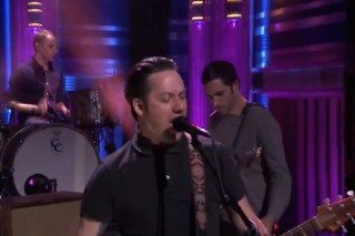Watch Modest Mouse Play &#8220;Lampshades On Fire&#8221; On <em>The Tonight Show</em>