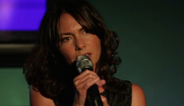 "Watch The Bangles' Susanna Hoffs Sing ""Eternal Flame"" At A Karaoke"