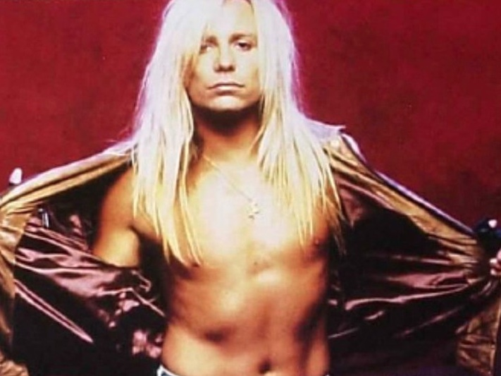 Vince Neil Is Suing His Social Media Manager To Regain ...