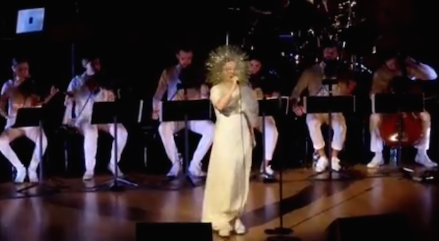 "Watch Björk And Arca Perform ""Stonemilker"" Live For The First Time At Carnegie Hall"