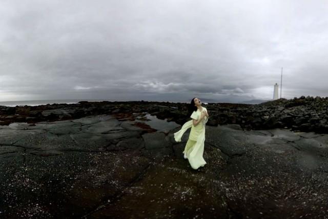 "Björk's ""Stonemilker"" Virtual Reality Experience Begins Sunday In NYC & London"