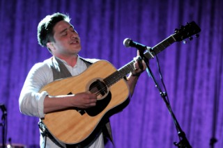 """Mumford & Sons Frontman Learning How To """"Chop Up Beats"""" For New Hip-Hop Project"""