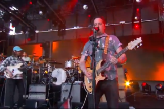 Watch Modest Mouse Perform &#8220;The Ground Walks, With Time In A Box&#8221; &#038; &#8220;Wicked Campaign&#8221; On <em>Kimmel</em>