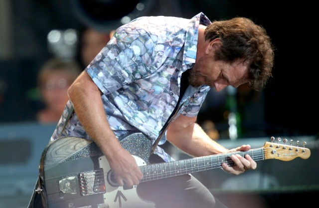 Pete Townshend And Eddie Vedder To Play Who Songs At Chicago Cancer Benefit