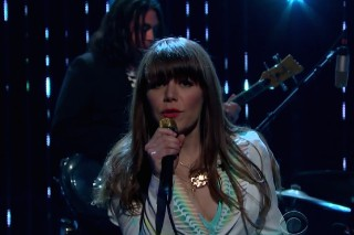 Watch Jenny Lewis Sing A Smooth-As-Hell &#8220;She&#8217;s Not Me&#8221; On <em>The Late Late Show</em>