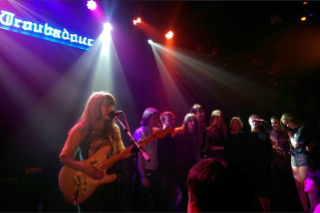 Haim's Family Band Rockinhaim Reunited Last Night With Help From Laura Marling, Ed Droste, Jenny Lewis & More