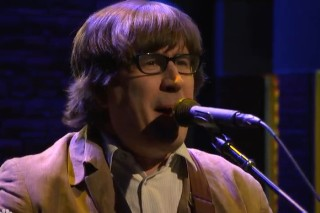 Watch The Mountain Goats And The King Ad-Rock On <em>Seth Meyers</em>