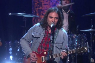 Watch The War On Drugs Play &#8220;Red Eyes&#8221; And &#8220;Under The Pressure&#8221; On <em>Ellen</em>