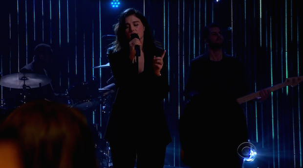 "Watch Jessie Ware's Stunning ""Say You Love Me"" Performance On The Late Late Show"