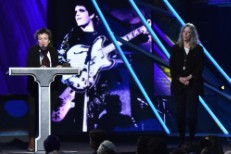 Watch Patti Smith & Laurie Anderson Induct Lou Reed Into The Rock & Roll Hall Of Fame