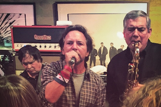 Watch Eddie Vedder Join The Sonics At Record Store Day Show In Seattle