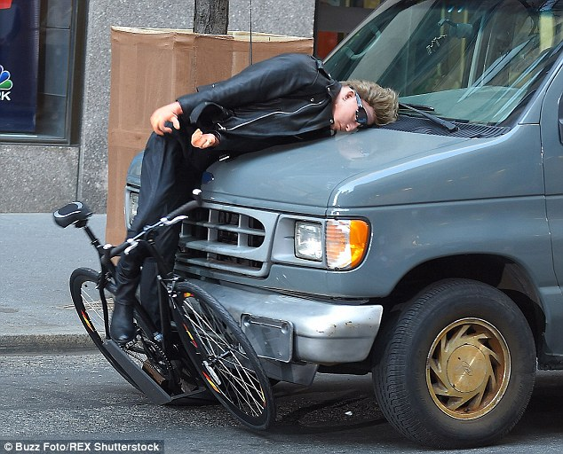 Bono Recreated His Bike Accident With Jimmy Fallon For Tonight Show ...