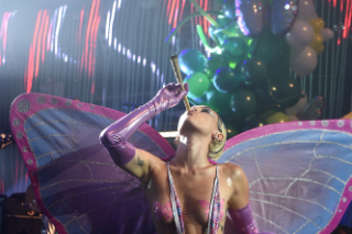 """Watch A Raunchy Miley Cyrus & The Flaming Lips Debut """"Tiger Dreams"""" At Adult Swim Upfront"""