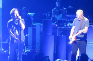 "Watch Eddie Vedder & Pete Townshend Play Their Songs Together At ""Celebrating The Who"" Tribute Concert"