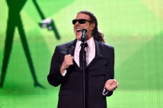"Watch Weird Al Sing Robin Thicke Parody ""Word Crimes"" Live For The First Time"