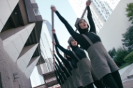"The Chemical Brothers – ""Go"" (Feat. Q-Tip) Video (Dir. Michel Gondry)"