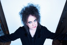 "Robert Smith – ""There's A Girl In The Corner"" (The Twilight Sad Cover)"