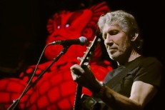 Roger Waters And Dionne Warwick Argue About Palestine