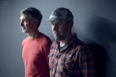 Watch Jason Lytle &#038; Troy Von Balthazar Cover Elliott Smith&#8217;s <em>Figure 8</em> With A Chamber Orchestra