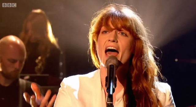 """Watch Florence + The Machine Perform """"Ship To Wreck"""" On Graham Norton"""