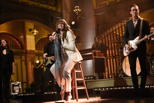 Watch Florence + The Machine Return To SNL With A Stool