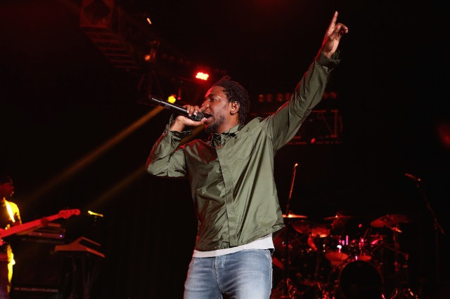 """Watch Kendrick Lamar Bring A Fan Onstage To Rap """"m.A.A.d city"""" At Sweetlife Festival"""