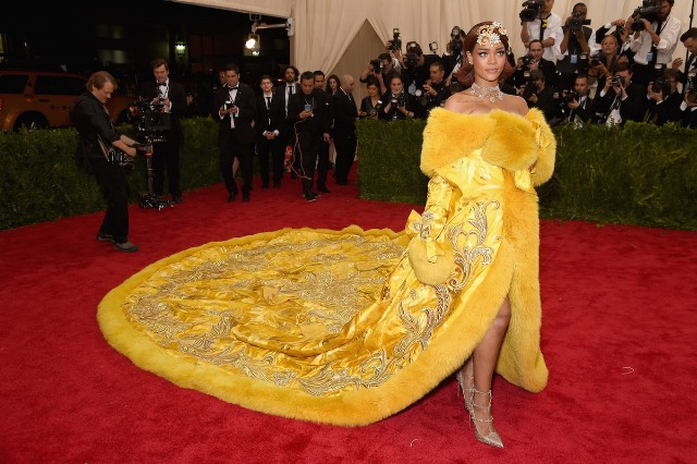 """Watch Rihanna Perform """"Bitch Better Have My Money"""" At The Met Gala"""