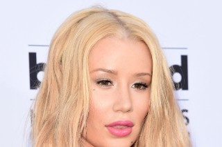 LGBT Protestors Get Iggy Azalea To Drop Out Of Pittsburgh Pride Event